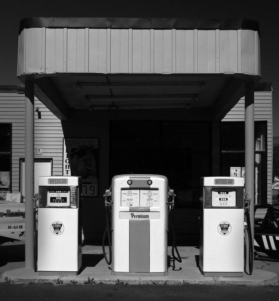 Pumps monochrome